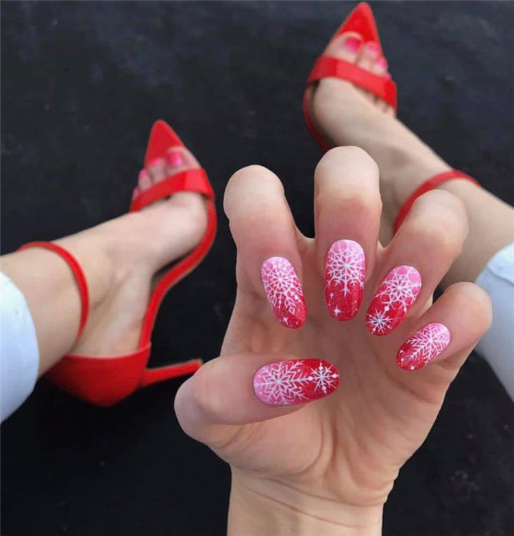 Simple and stylish nails bring you a different beauty