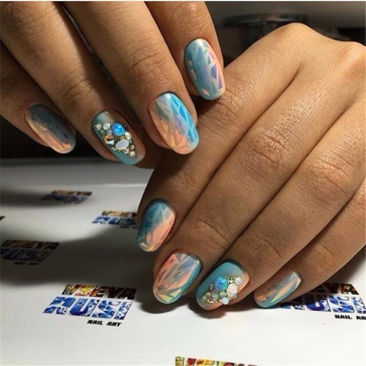 Fashion design manicure 2019-2020/>–nextpage–></p> <p>So today we will look at the most interesting and stylish nail design options of 2019-2020, with different execution styles, corresponding to specific seasons.<br /> <img src=