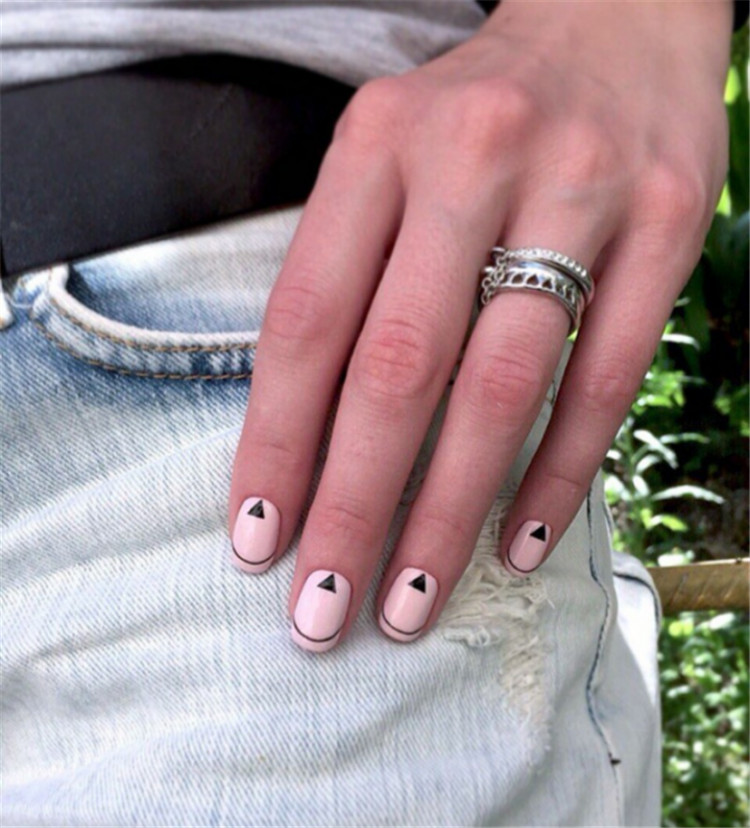 Bright and original design of French manicure/>–nextpage–></p> <p>When you don't know which manicure is more suitable for a new look, the classic white jacket will always be a win-win situation. Neat white stripes and a delicate nude base always look perfect, very stylish and elegant. Traditional French manicures are perfect for any occasion.<br /> <img src=