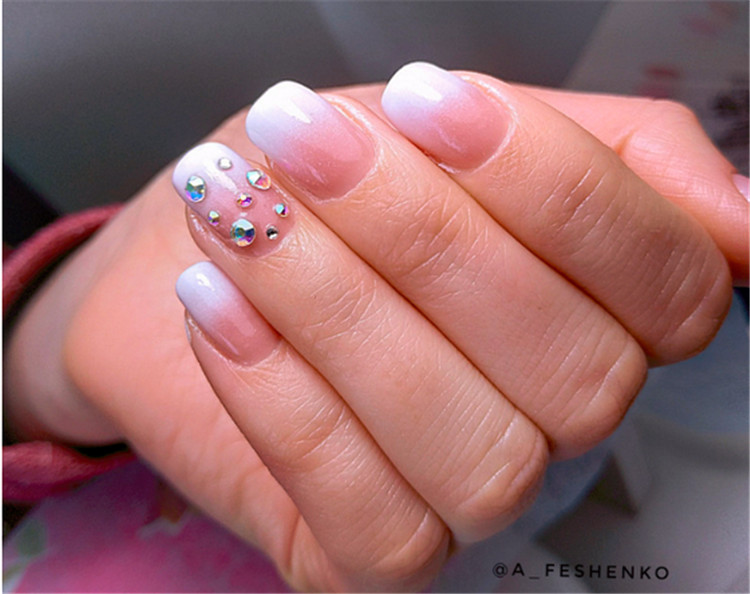 Exquisite fashion nails/></p> <p><a href=