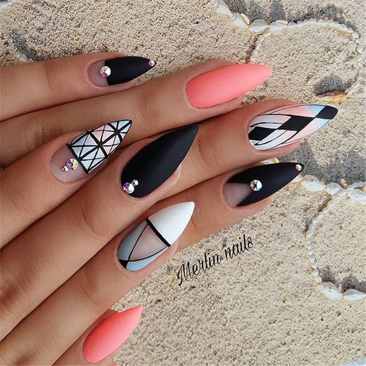 87 diamond-set nails, make your nails look new!/>–nextpage–></p> <p>Exquisite diamond jewelry nails will not have such a cheesy feeling, but it feels very delicate, and the simple diamond-set nail art is very temperament, suitable for some light-minded women who pursue quality. Like to collect it.<br /> <img src=