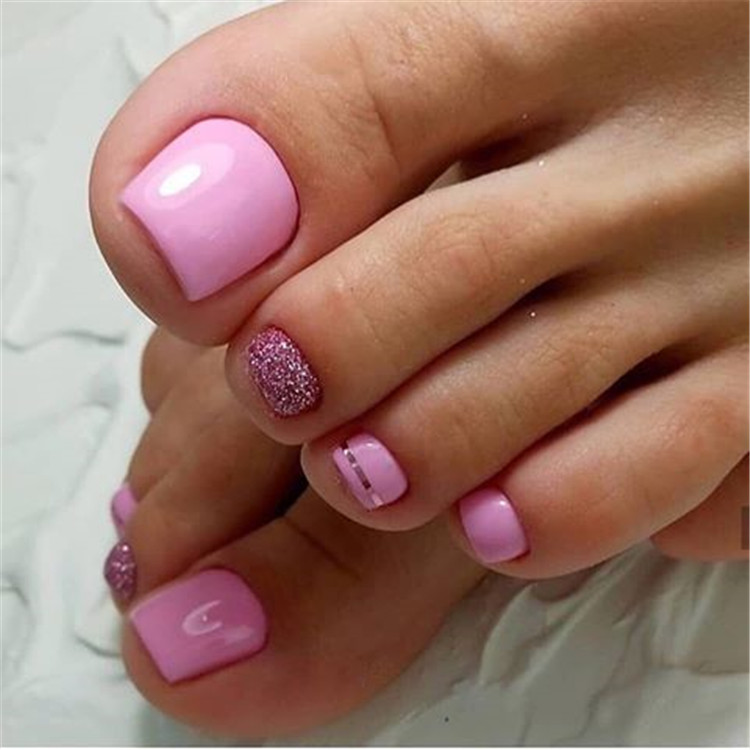 100+ stylish and delicate toenails design example/></p> <p><a href=