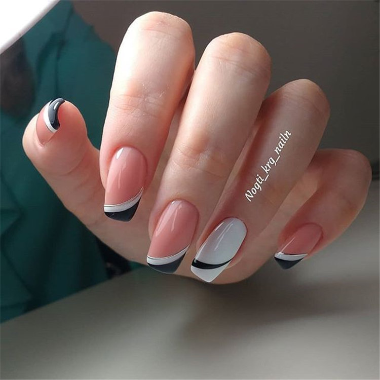 You see, the nails designed in this way are really fashionable/></p> <p><a href=