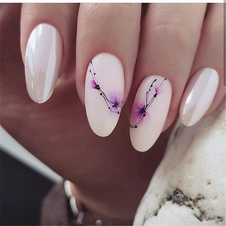 The simple and stylish color block nail art will bring you new design inspiration./></p> <p><a href=
